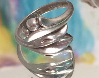 Avon Sterling Silver Tulip Adjustable Ring