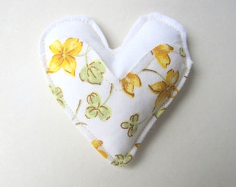 Heart Fabric Brooch Bouquet Flowers, Embroidered Brooch, Fabric Heart Brooch, Flower Bouquet Brooch, Embroidery Brooch, Mother's day Gift