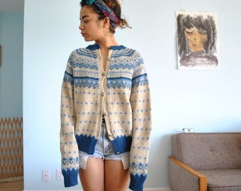 Vintage Size medium/large wool sweater