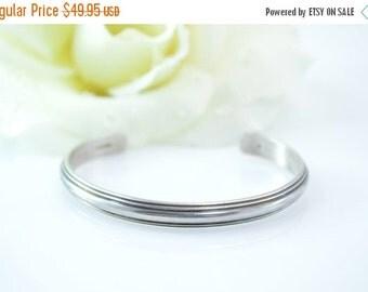1 Day Sale Simple Ridged Cuff Bracelet Sterling Silver 16.2g Vintage Estate