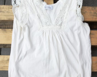 Flirty and Breezy Lace Off-White Tank Top M