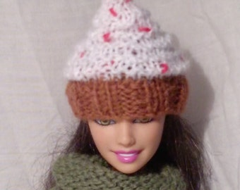 Cupcake hat for Barbie