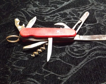 9 Function swiss  army  knife