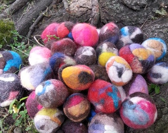 Faerie Balls! A dryer sheet alternative with a faerie touch!