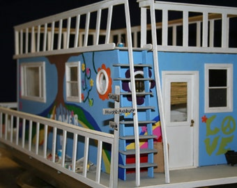 Miniature vignette 70's houseboat