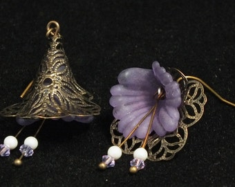 Filigree antique gold and lucite flower earrings