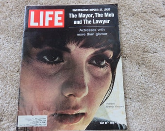 LIFE magazine May 29, 1970 Brenda Vaccaro, interview with the mob