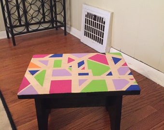 Geometric style step stool
