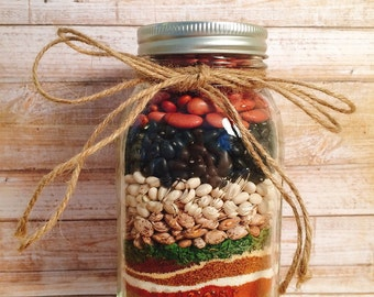 Chili mix in a jar, food gift, food kit, crock pot, edible gift, hostess gift, foodie gifts, college student gift,winter gift for chef,chili