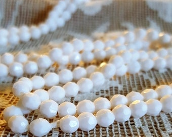 Awesome snow white beads Vintage Lucite Faceted 5mm round