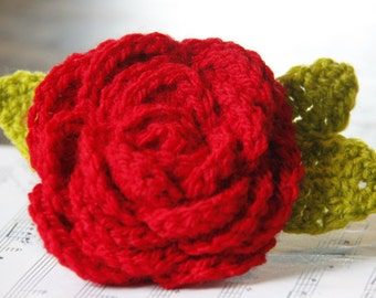 Red rose in crochet