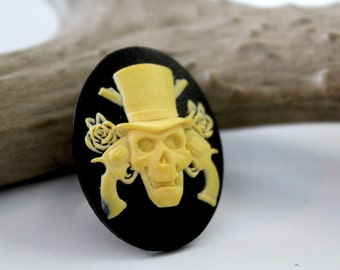 Zombie Guns and Roses Halloween Cabochon Black and Yellow Ring