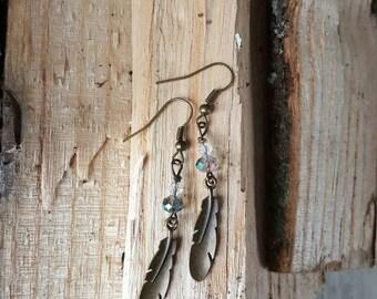 Crystal feather earrings in bronze