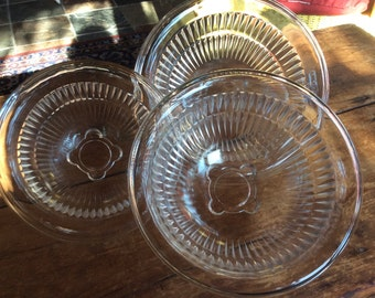 Vintage Federal glass nesting mixing bowls set of 3