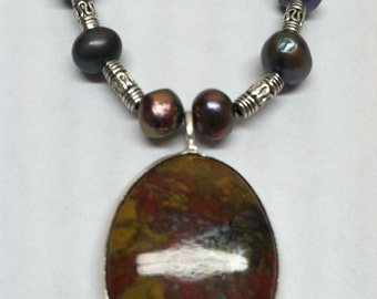 Pearl and agate pendant