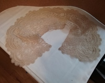 Lovely, Old Stained Lace Collar, Shabby Vintage