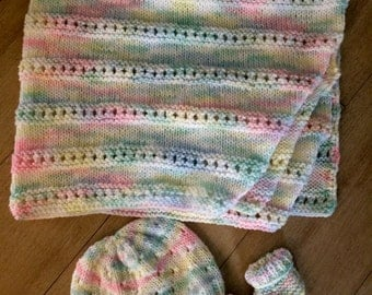 Baby Afghan with newborn hat and booties