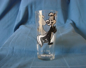 Pepe' le Pew character glass