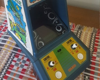 Vintage 1981 Galaxian Table Top Video Game