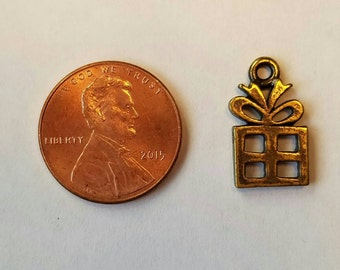20 Antique Gold Finish Gift Pewter Charms