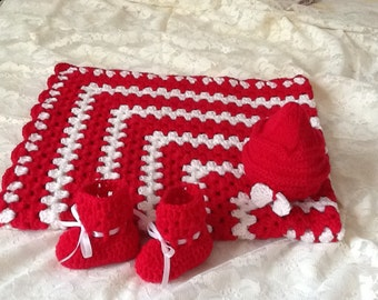 Baby Blanket with matching Hat and Booties