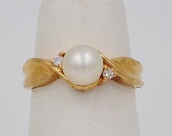 10K Gold & Diamond Chip Ring