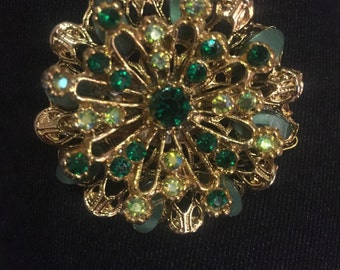 Gorgeous green vintage brooch