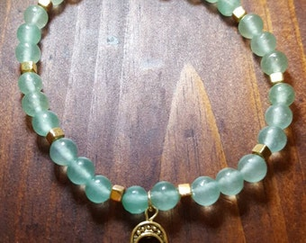 Aventurine and gold bracelet with hamsa charm