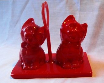 Red Plastic Kittty Salt and Pepper Shaker Set from 1950s