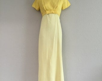 50s column dress with bow and removable train