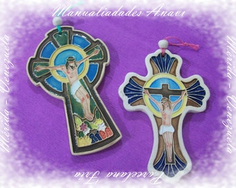 Crosses in porcelain and acrylic.