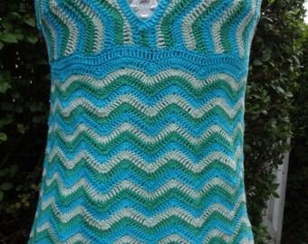 Cute little crochet top, 1970's, UK size 10-12