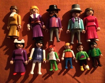 PLAYMOBIL vintage 12 people               #412