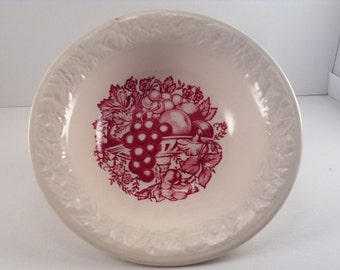 Vintage Harvest USA Red Fruit and Berry Bowl