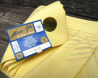 Yellow Tablecloth and napkins - Vintage with tags