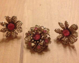 Beautiful Vintage Pink Flower Nemo Pin and Earrings