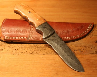 Fixed Blade Damascus knife with sheath