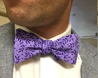 Purple leafy reversible bow tie
