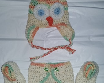 Newborn owl hat and diaper cover set with booties