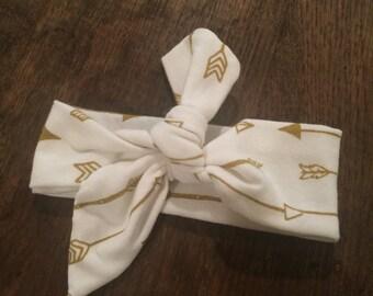 Newborn Headwrap- White and Gold Arrow