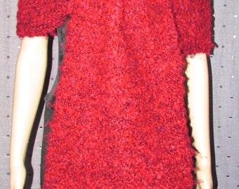 Superbe châle en laine tricotée et  garni de fourrure de renard noir\Superbe knitting wool shawl with black fox fur trim
