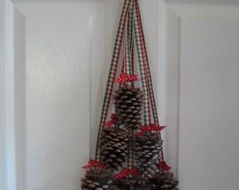 Christmas Pinecone Swag