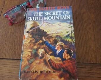 Hardy Boys Mystery The Secret Of Skull Mountain By F.W. Dixon- 1948