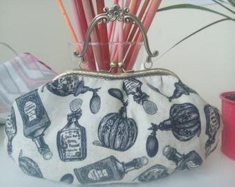 Handbag vintage perfumes