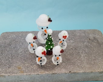 Snowman Family with Christmas Tree