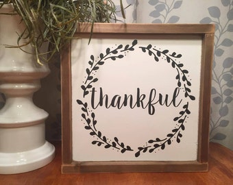 "13.5""x13.5"" Thankful Wreath/wood sign/word art/distressed sign/wall décor/rustic"