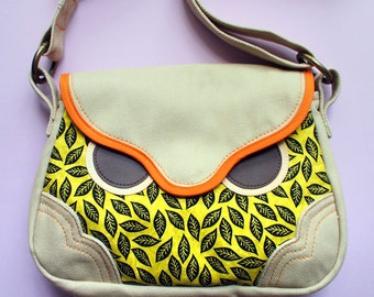 Sling Purse - Hoot The Owl (Olive Foille)