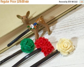 Floral Hair Pins, Woodland Hair Accessories, Christmas Bobby Pins, Holiday Bobby Pins, Flower Bobby Pin Set, Deer Bobby Pin, Red Green Beige