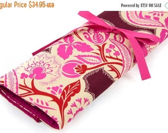 Sale 25% OFF Large Knitting Needle Case Organizer - Flourish Cherry - 30 pink pockets for all sizes or paint brushes
