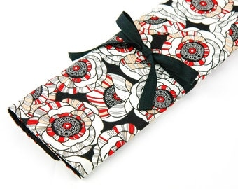 Large Knitting Needle Case Organizer - Tempo - 30 black pockets for straight, circular, double point needles or paint brushes
